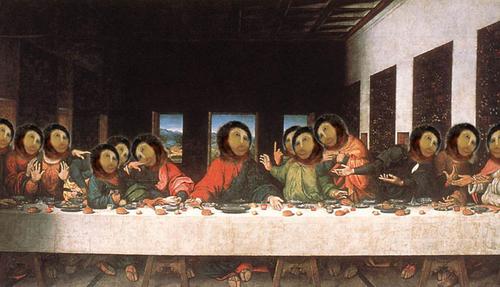 Das letzte Abendmahl mit gesichtern des Ecce Homo Freskos