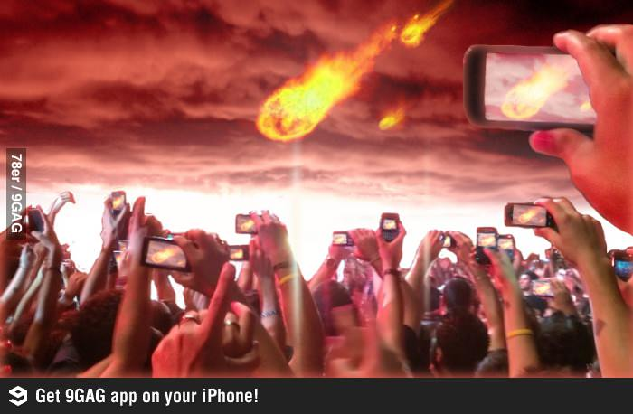 Weltuntergang wird mit Smartphones gefilmt