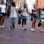 Jugendliche über Shopping: Ist Multichannel bald Realität?
