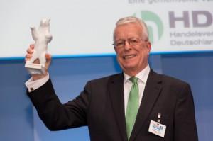 Thomas Busch, Walbusch, wurde mit dem Life-Time-Award geehrt. © Joerg Sarbach