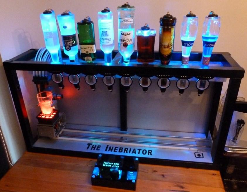 Netzfund: Roboter könnten auch Barkeeper bald arbeitslos machen