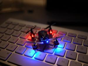 Amazon hebt ab: Patent-Anmeldung für Drohnen-Liefersystem veröffentlicht  [5 Lesetipps]