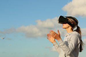 Vom Trend zur Normalität – Virtual Reality etabliert sich 2018 [5 Lesetipps]