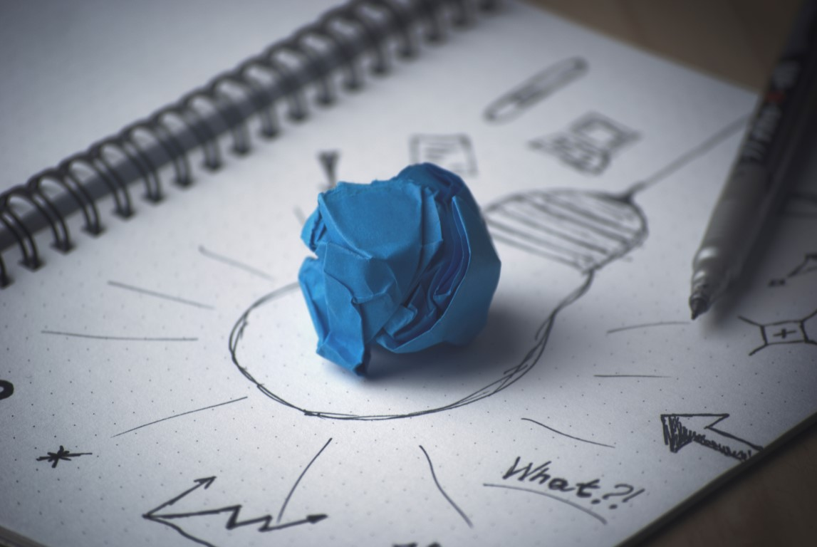 marketing_trends_pen-idea-bulb-paper (Medium)