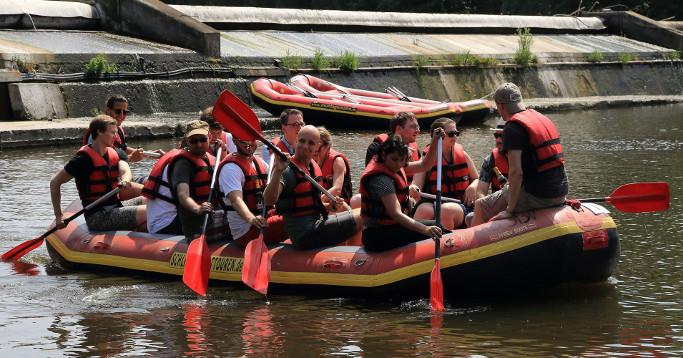 Schlauchboot auf der Saale 2018 Team Bier und Bratwurst