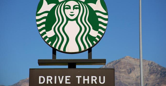KI Service Starbucks Logo Drive Thru Schild
