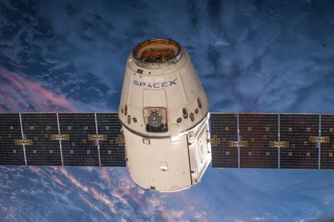 Wird es dank SpaceX bald ein gloables Weltraum-Internet geben?