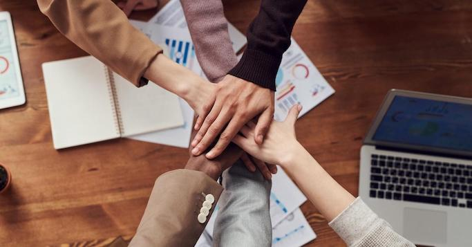 Firmen kooperieren in der Krise